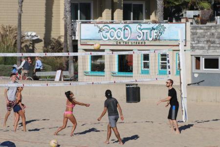 Hermosa Beach Vollyball  game